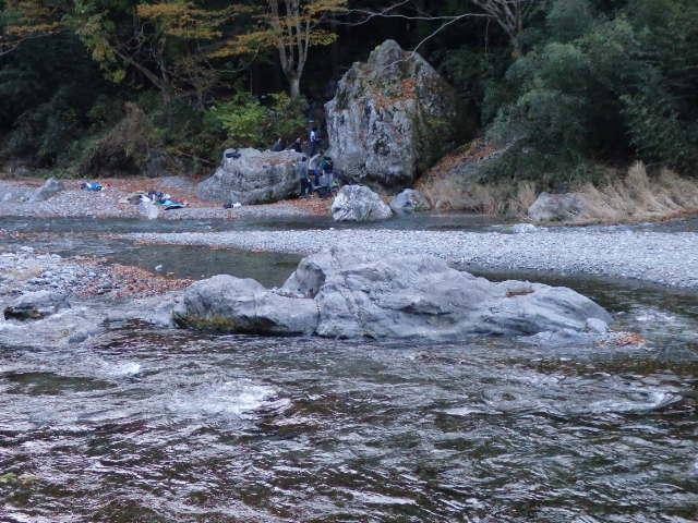 多摩川沿い ロッククライミング