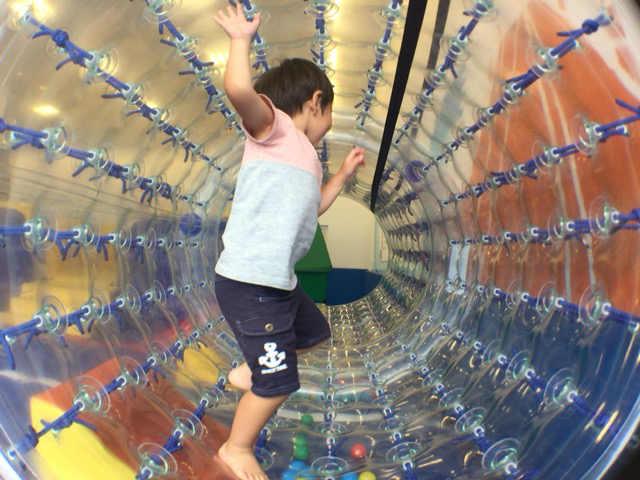 空気のトンネル ボーネルンド