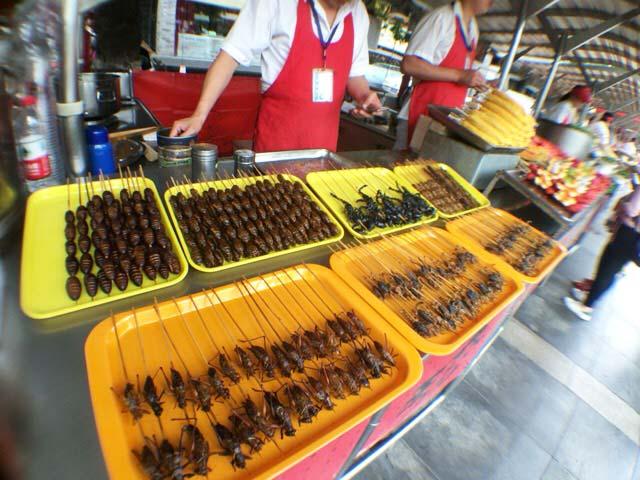 中国 昆虫を食べる