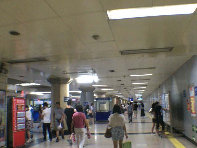 北京 鉄道職員の態度