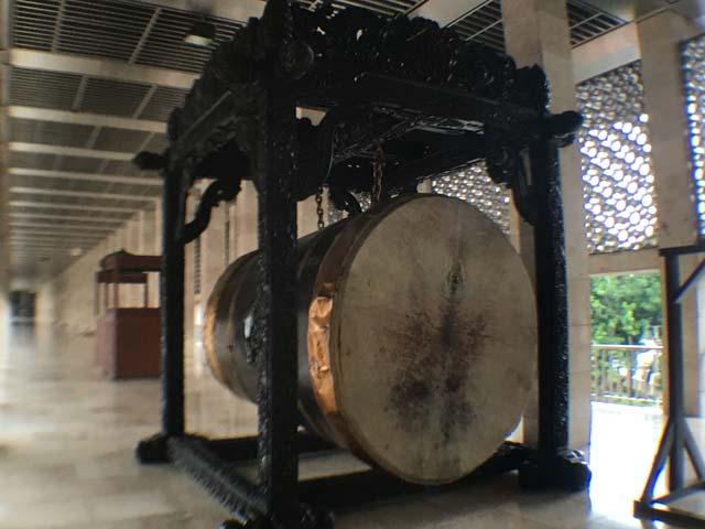 モスク イスティクラル 太鼓