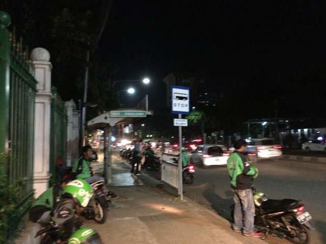 ガンビール駅 バイクタクシー