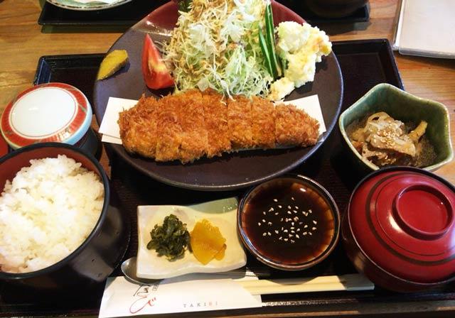 東村山 たきび ロースカツ定食