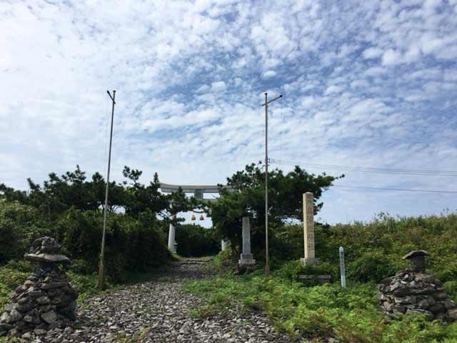 舳倉島 奥津比咩神社