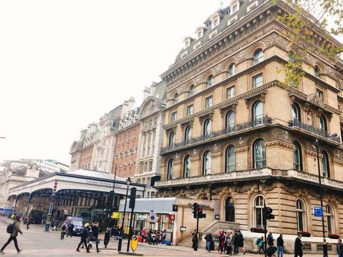 ビクトリア駅 ロンドン