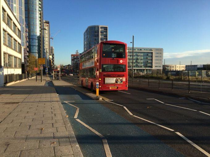 ロンドン 自転車道路