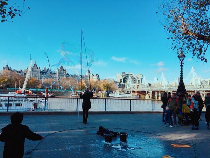 ロンドン 大道芸人