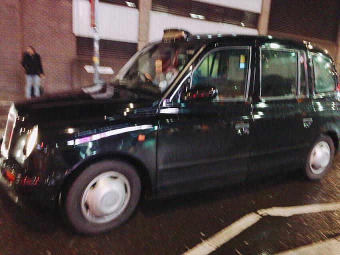 ロンドン タクシー
