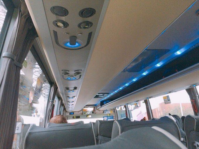 高速バス イギリス