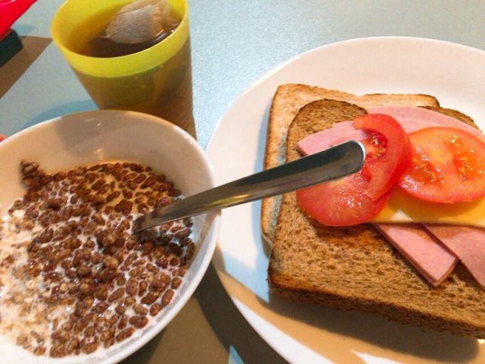 安宿の朝食