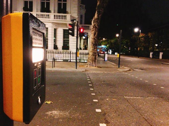ロンドン信号