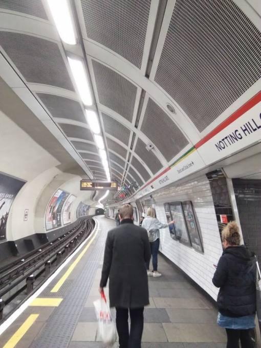 イギリス 地下鉄