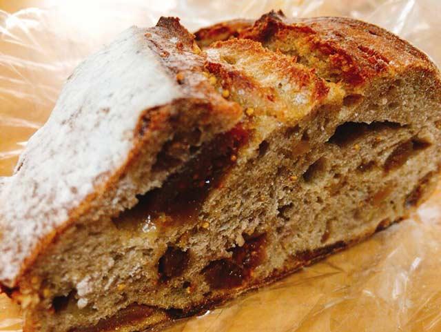 BAKERY ENGLAND STREET いちじくパン