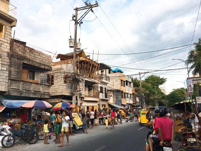 フィリピン 貧困地域