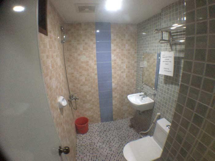 フィリピンのドミトリー トイレ