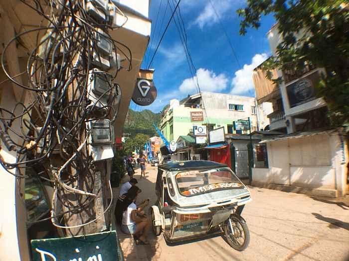 フィリピン 電柱柱