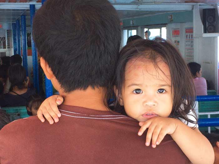 フィリピン 女の子