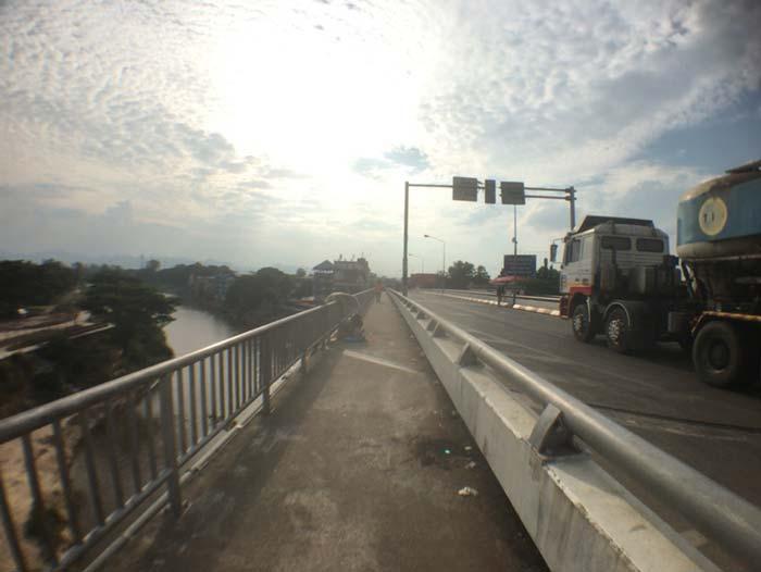 タイ ミャンマー 国境の橋