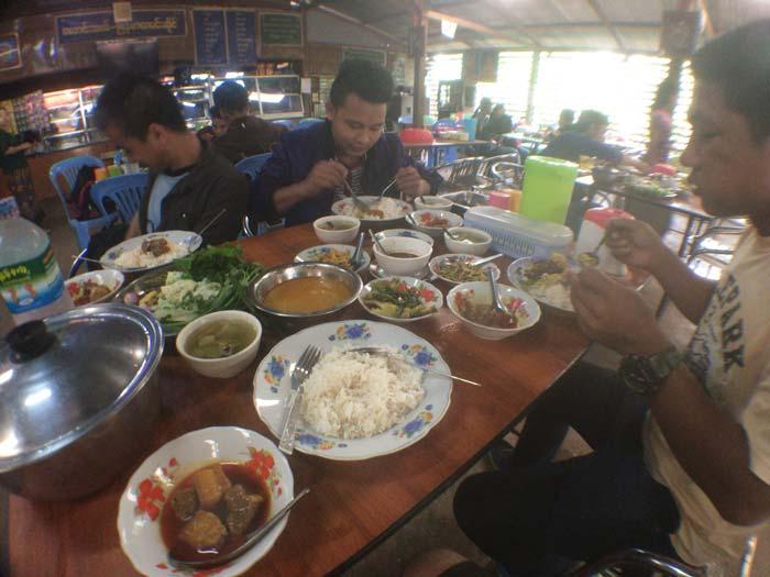 ミャンマー 食事