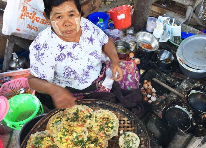 ミャンマー タナカ女性