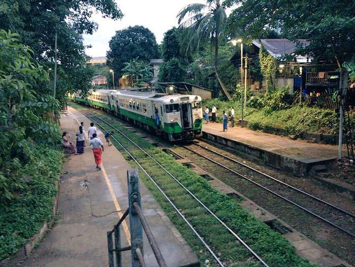 ミャンマー 環状電車