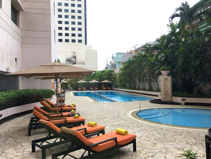 ヤンゴン Shangri-laホテル プール
