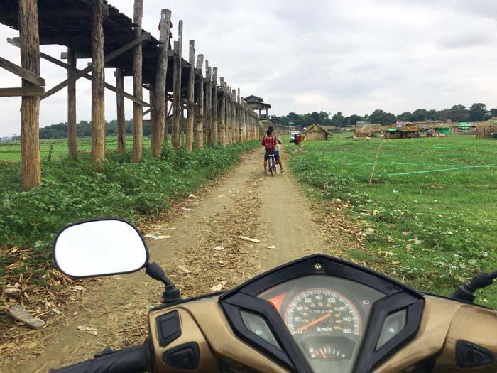 マンダレー バイク
