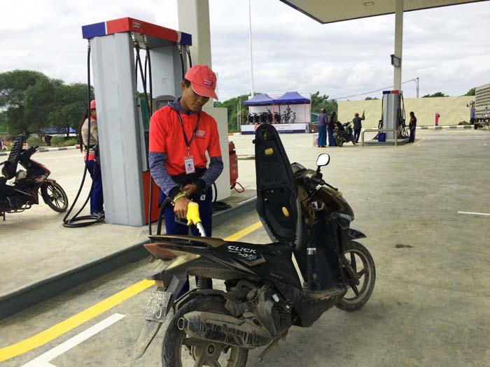 ミャンマー ガソリンスタンド
