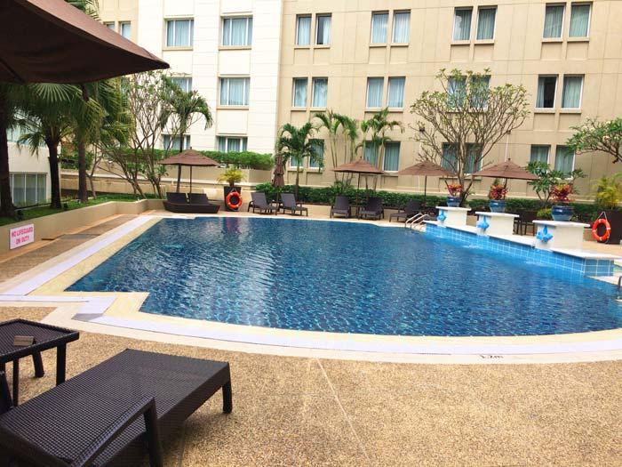 パークロイヤル ヤンゴン プール